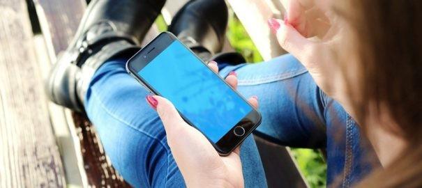 Extra výhody i nevýhody seznamování online